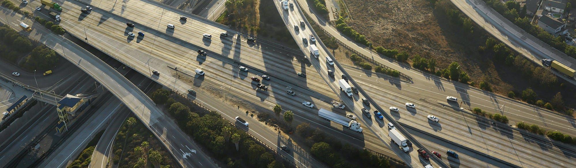 Stati Uniti: energia pulita dalle autostrade