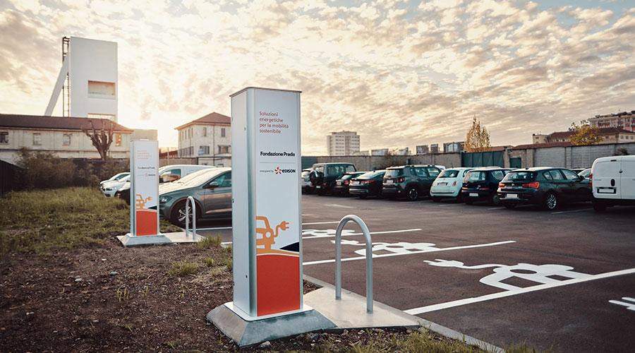 Colonnine ricarica veicoli elettrici utilizzate da Fondazione Prada