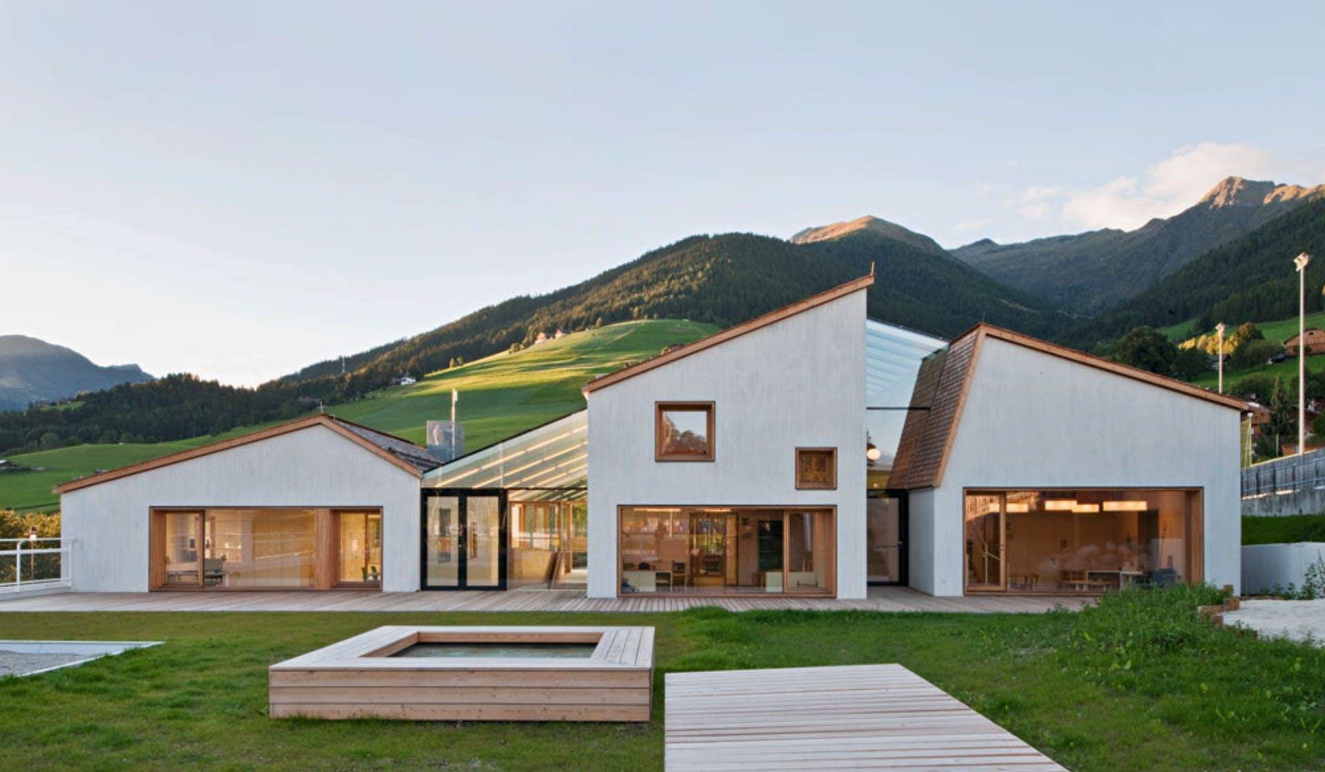 Scuola ad alta efficienza energetica a Bolzano